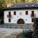Fachada del Albergue Juvenil de Canfranc